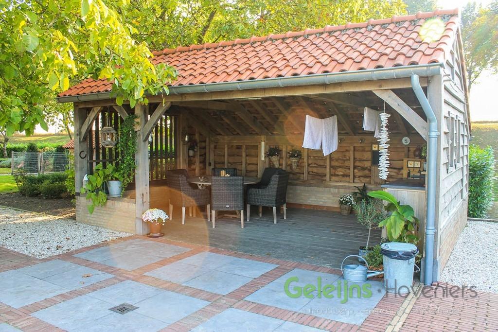 landelijke tuin bij historische boerderij geleijns hoveniers. Black Bedroom Furniture Sets. Home Design Ideas